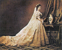 Photograph of Elisabeth as Queen of Hungary (by Emil Rabending, 1867)