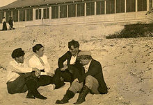 George Sterling, Mary Austin, Jack London, and Jimmie Hooper on the beach at Carmel, California