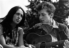 Joan Baez with Bob Dylan at the civil rights March on Washington, August 28, 1963.