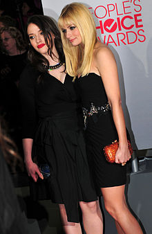 Dennings with her 2 Broke Girls co-star Beth Behrs at the 38th People's Choice Awards in January 2012.