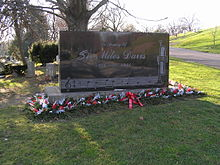 The grave of Miles Davis in Woodlawn Cemetery