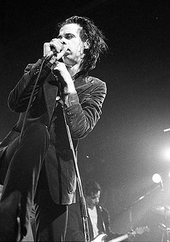 Cave performing in 1986