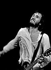 Pete Townshend performing in Hamburg, Germany in August 1972