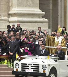 Pope Benedict XVI's first trip in a popemobile
