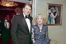 Bette Davis with President Reagan 1987, two years before her death