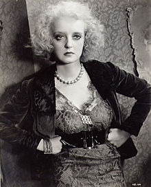 As the shrewish Mildred in Of Human Bondage (1934), Davis was acclaimed for her dramatic performance
